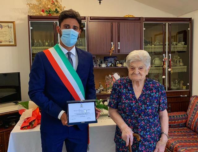 Comunità in festa per i 100 anni di Paolina Bernarducci