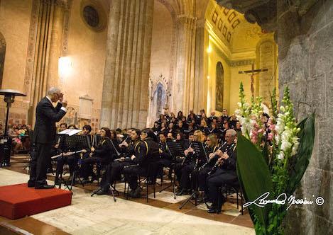 Chiesa piena, tanti applausi e pubblico in piedi a Sant'Andrea per la Missa Katharina