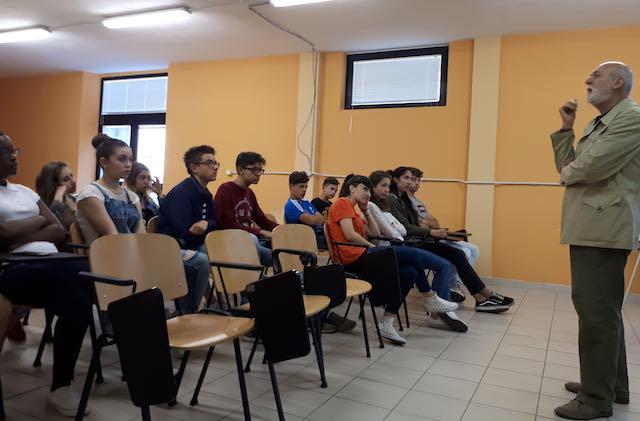 """L'IISS """"C.A. Dalla Chiesa"""" rende omaggio a Totò"""