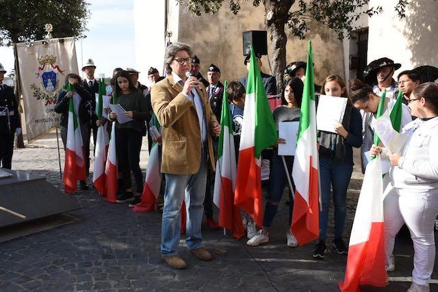 Gli studenti alle celebrazioni del 4 novembre, Forze Armate e servizio alla collettività