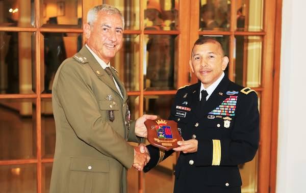 """Conferita la """"Legion of Merit"""" al generale Pietro Addis"""