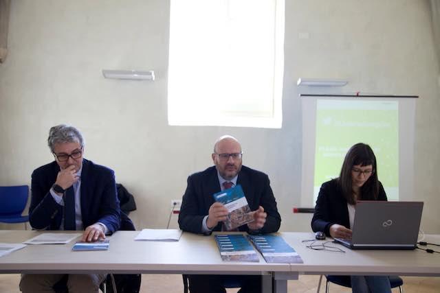 Semplificazione amministrativa, la Regione lancia la consultazione attraverso la rete
