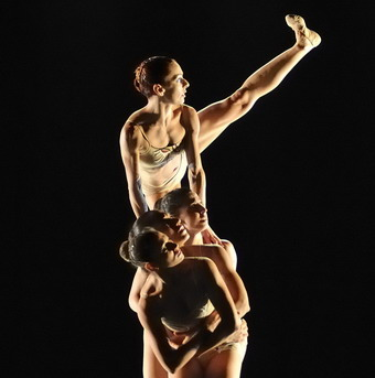 """""""Italia, la mia Africa"""". Domenica al Mancinelli con la danza che crea integrazione fra etnie diverse"""