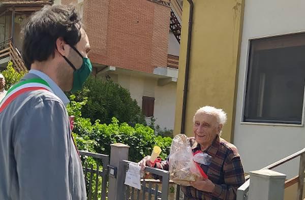 Festeggiamenti a distanza per i cento anni di Aldo Serafini