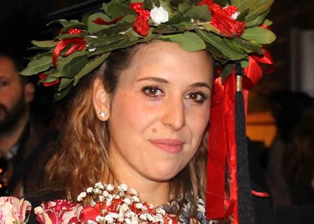 Confetti rossi per Alessandra Polleggioni, prima laureata in Informatica Umanistica dell'Orvietano