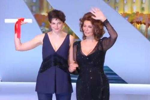 """""""Le Meraviglie"""" di Alice Rohrwacher vince il Grand Prix Speciale della Giuria a Cannes"""