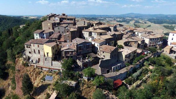 """""""Vineando"""", tre giorni di degustazioni fino a """"La Domenica del Borgo"""""""