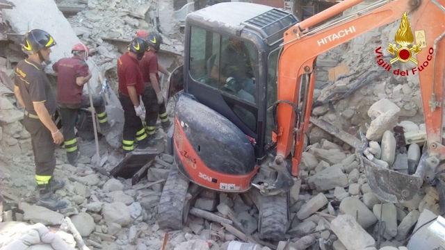 """Terremoto. Fs: """"Biglietti del treno gratuiti per sfollati e operatori protezione civile"""""""