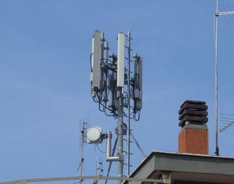 """Antenne telefoniche libere su condomini e appartamenti. Per l'assessore regionale Vinti è """"sconcertante"""""""