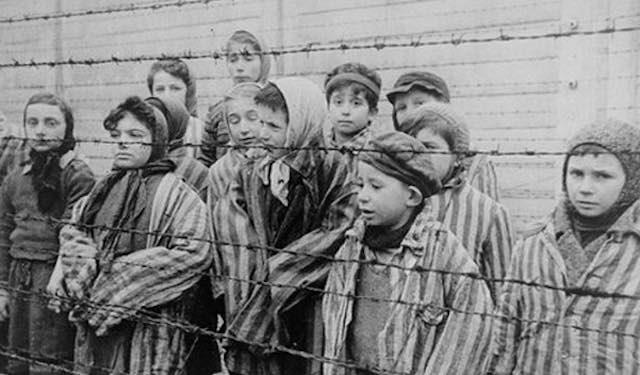 """""""La Carne dell'Orso"""". Mostra contro antisemitismo e razzismo alle Scuderie Farnese"""
