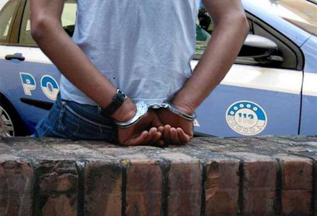 Mendicante e ladro di appartamenti, denunciato dalla Polizia