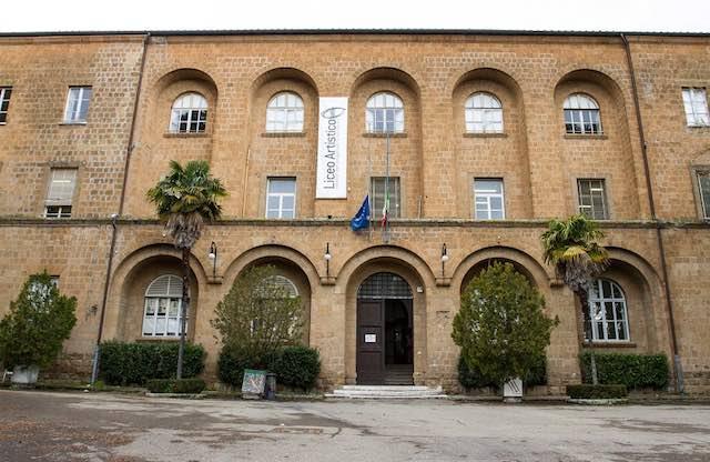 """""""Torna a casa, Artistico!"""". Lettera aperta al sindaco sul futuro del Liceo"""