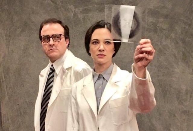 """Asia Argento e Filippo Dini al Mancinelli con """"Rosalind Franklin. Il segreto della vita"""""""