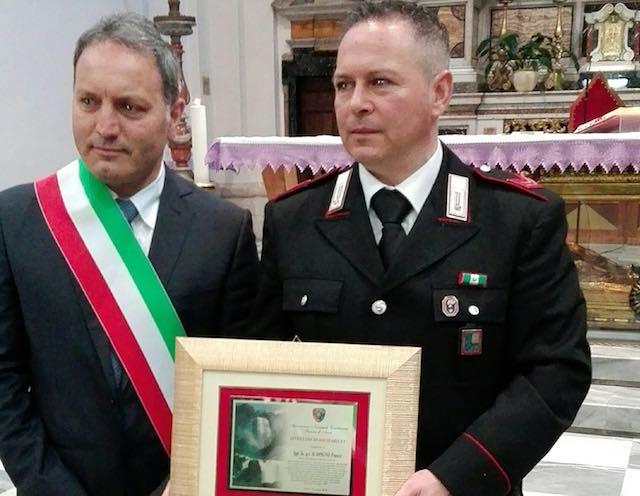 Attestato di solidarietà all'appuntato Franco Scopigno per aver salvato una donna
