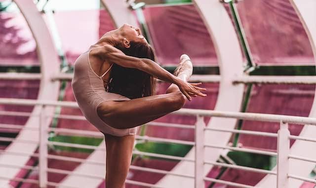 """""""Attitude en plein air"""". Quando la creatività valorizza luoghi inusuali per la danza"""