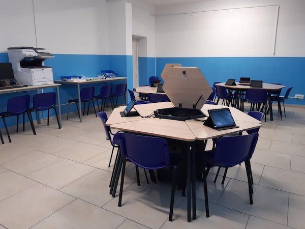 """Il viceministro Anna Ascani inuagura l'aula di robotica all'Istituto """"Dalmazio Birago"""""""