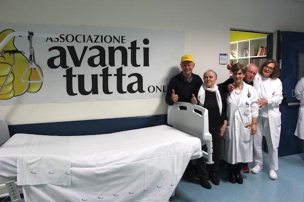 """""""Avanti Tutta Onlus"""" dona tre letti per le terapie all'Oncologia dell'Ospedale"""