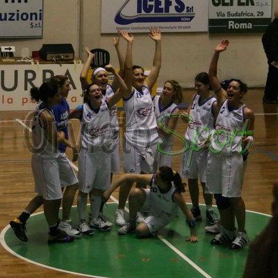 Azzurra nella storia, Orvieto Basket salvezza conquistata, Orvietana un punto prezioso, argento Savrayuk