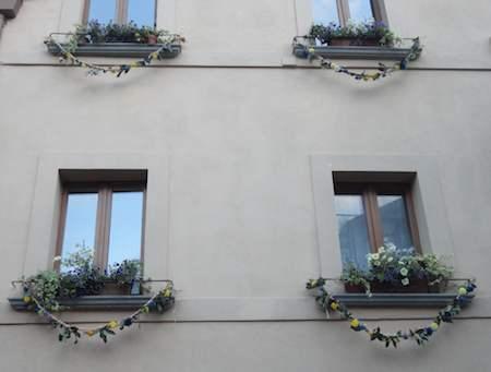 """""""Orvieto in fiore"""" piace e anima la città. I vincitori del concorso dei balconi e delle vetrine fiorite"""