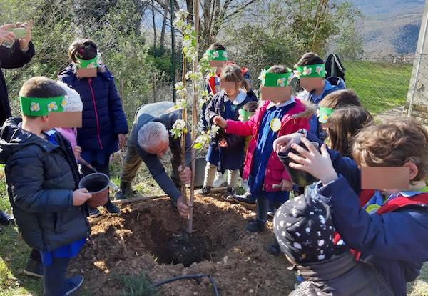 """Festa degli Alberi per i bambini della Scuola """"Sante De Sanctis"""""""