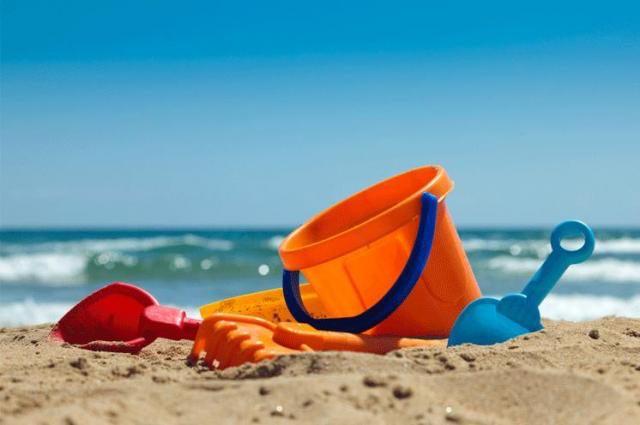 """Assegnate le """"Bandiere Verdi"""". Sorprese e conferme tra le spiagge a misura di bambino"""