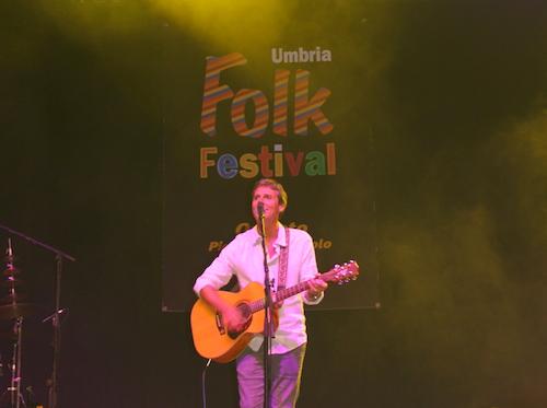 """""""Mamma Roma Addio"""" convince Umbria Folk Festival. E' la sera di Hevia e Sparagna"""