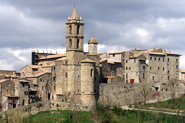 Dedicata all'architetto Ippolito Scalza la piazza adiacente alla Chiesa di San Nicolò