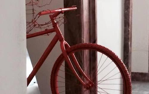 """Apre la mostra """"Bici e territorio"""". Fotografie, opere pittoriche e sculture"""