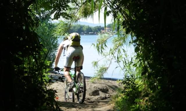 Giro in bicicletta del Lago di Bolsena, aspettando la Festa delle Ortensie