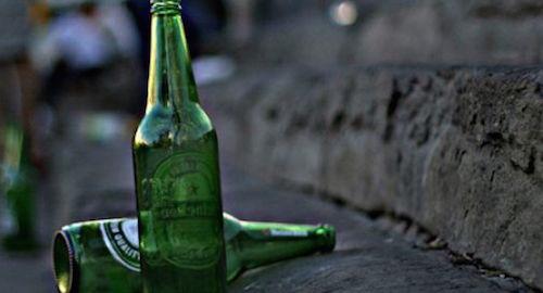 Ordinanza anti alcol, la città si divide
