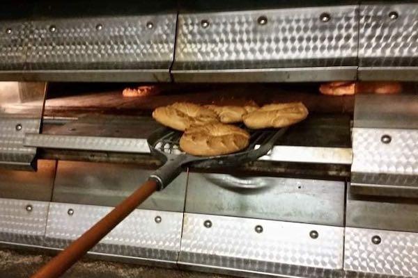 Sapore di tradizione, in preparazione il Biscotto di Sant'Antonio