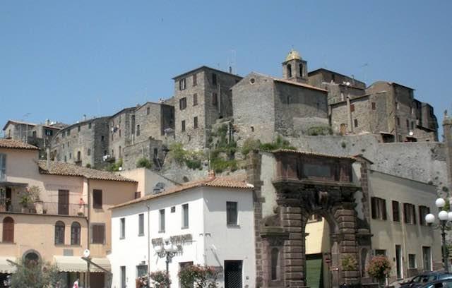 Tra gli Etruschi e un'antica basilica. Festa del Tesseramento per la Polisportiva