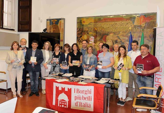 """Notte Romantica ne """"I Borghi più belli d'Italia"""". Presentato il programma regionale"""