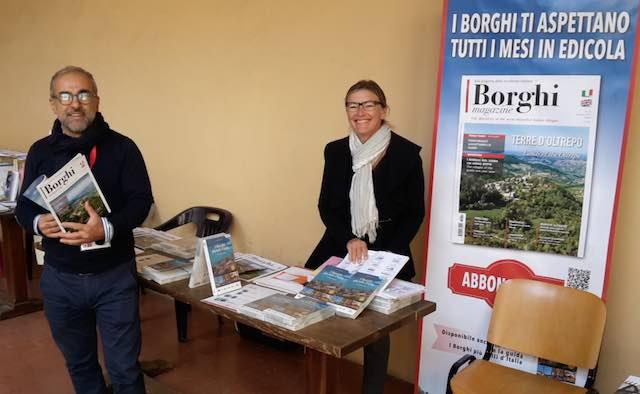 """Curiosi e appassionati ad """"Umbria Libri"""" per la presentazione del mensile """"Borghi Magazine"""""""