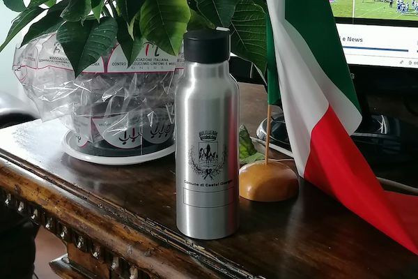 Dal Comune di Castel Giorgio oltre 150 borracce in alluminio alle scuole