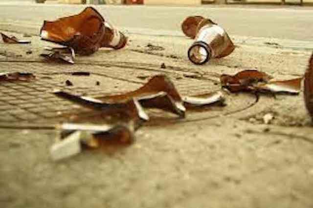 Vietate vendita da asporto e consumo di alcolici dalle 19 alle 7 del mattino