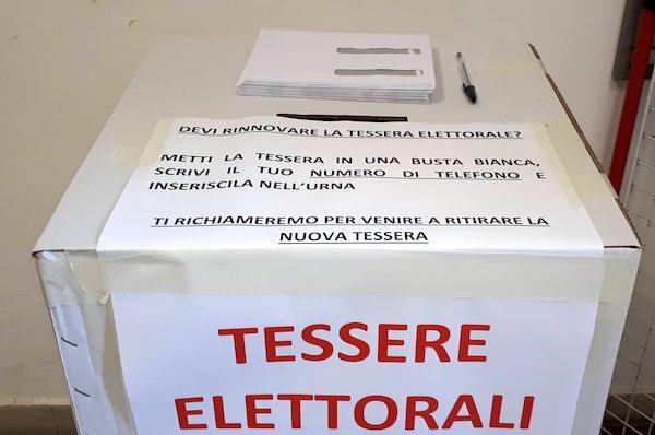 Le modalità per il rinnovo delle tessere elettorali in vista del referendum
