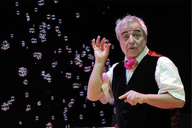 Magica notte di Capodanno al Teatro Boni. Cena e spettacolo di Bustric