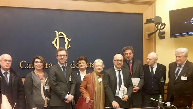 Presentata alla camera dei deputati la mostra che porta campo della fiera in lussemburgo - Mostra della porta ...