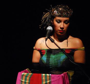 Voluttà: parole e canto esplorano il continente del desiderio