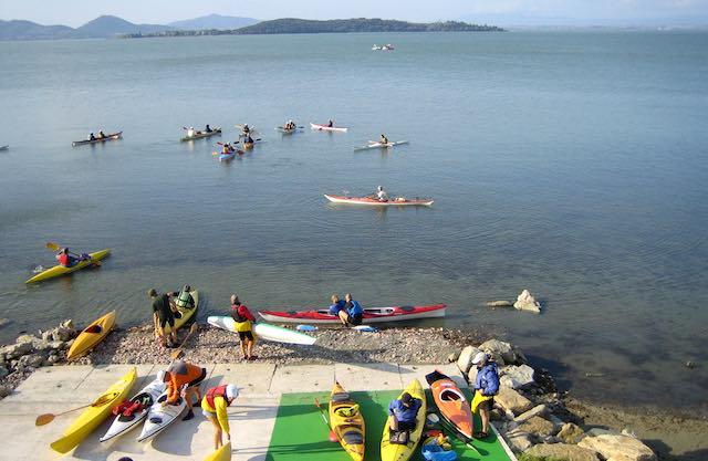 Tutti in canoa a Monte del Lago, tra natura e sport