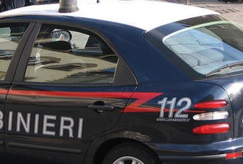 Rubano prodotti ittici per 3000 euro, fermati con il furgone e denunciati dai carabinieri