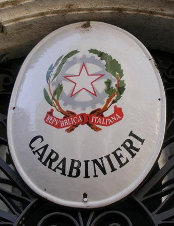 Sottrae un cellulare in un bar di Monteleone, rintracciato e denunciato dai Carabinieri