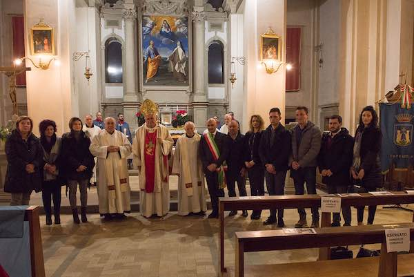 Dopo oltre 400 anni, Caprarola saluta i Padri Carmelitani di Santa Teresa