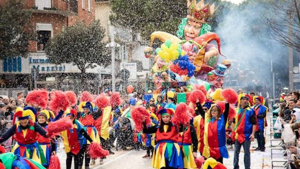 """Dodicesimo """"Carnevale Sanvenanzese"""". Raduno in Piazza Alighieri e sfilata"""