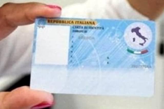 Arriva la carta di identità elettronica. Come richiederla agli uffici del Comune