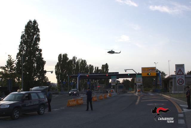 Carabinieri in campo nell'Alto Orvietano con Nucleo cinofili ed elicottero