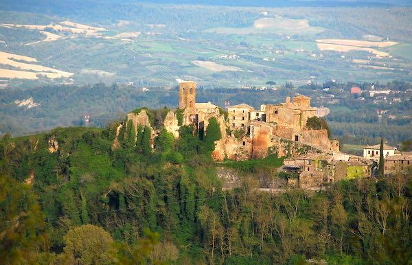 """Nel Borgo Fantasma, nasce il Festival """"Repubblica delle Arti"""""""