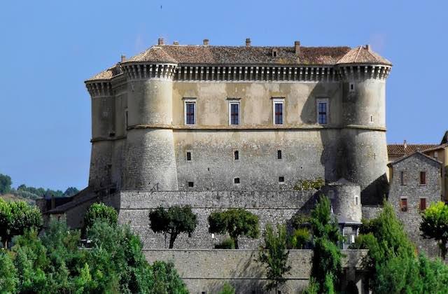 Castello di Alviano aperto alle gite scolastiche da tutta Italia