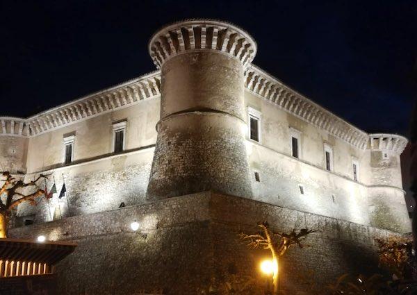 """Torna l'appuntamento con """"10 righe e un tè"""" al Castello di Alviano"""
